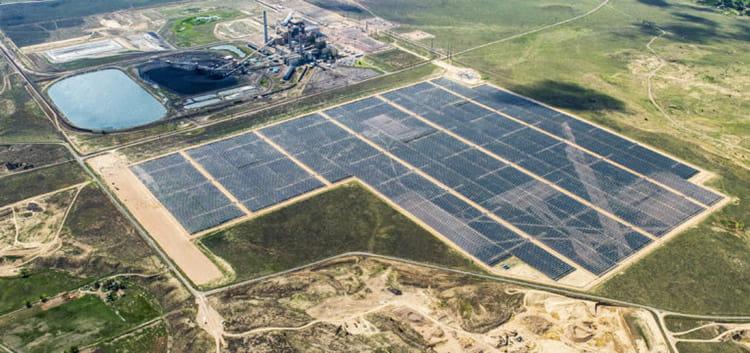 Utility-Scale-Solar-farm